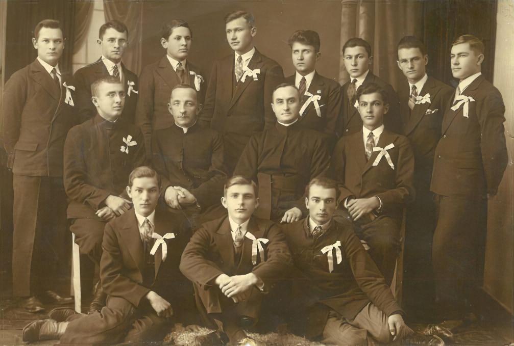 Członkowie Soldacji Mariańskiej z Miechowa - Grudzień 1930 roku.
