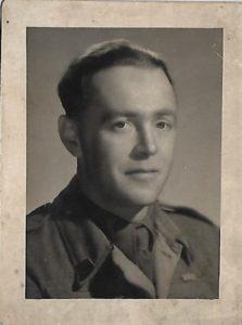 Porucznik-Jerzy-Skrzyński-w-alianckim-mundurze